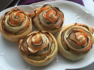 Fleurs avec courgettes et saumon
